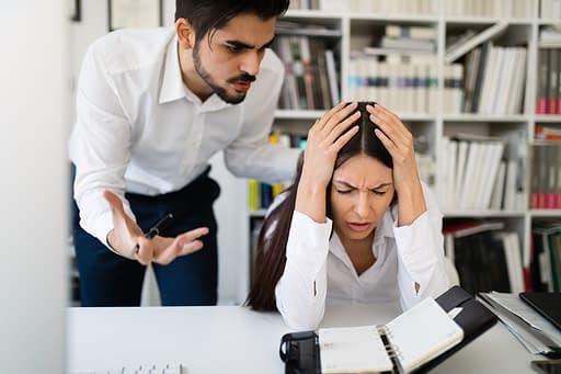Quels sont les effets des colères agressives au travail ?