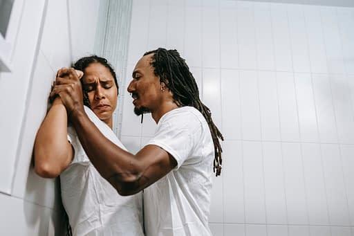 Comment la thérapie de couple peut résoudre les problèmes de colères et de violences ?
